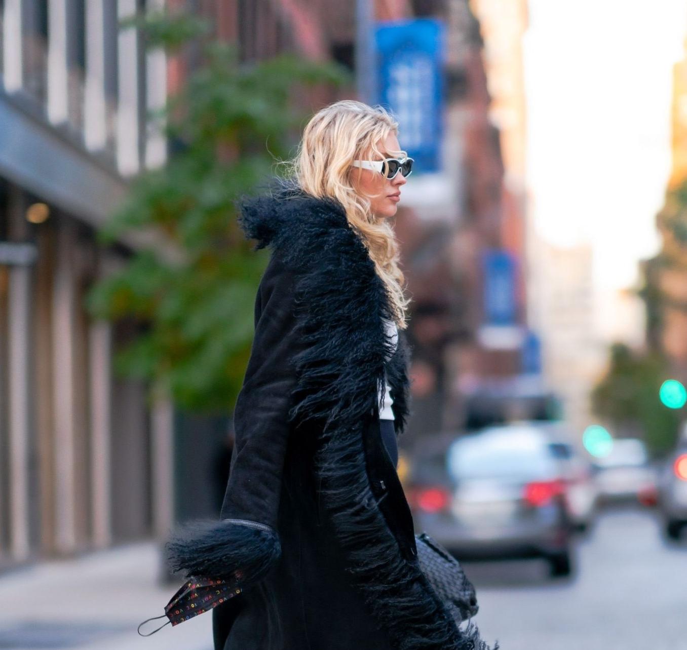 Elsa Hosk wearing skinny black high rise leggings