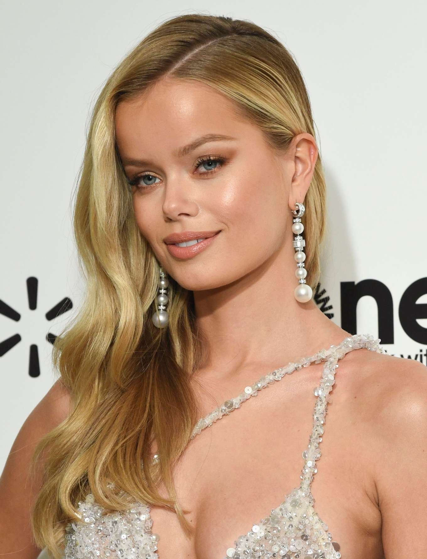 Frida Aasen rocking pointy silvery grey leather pumps with high heel and thin ankle strap