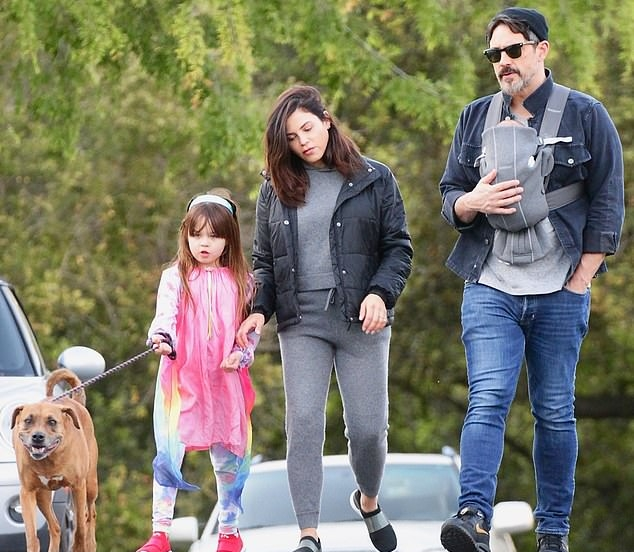 Jenna Dewan donning black mesh sneakers with contrasting sole
