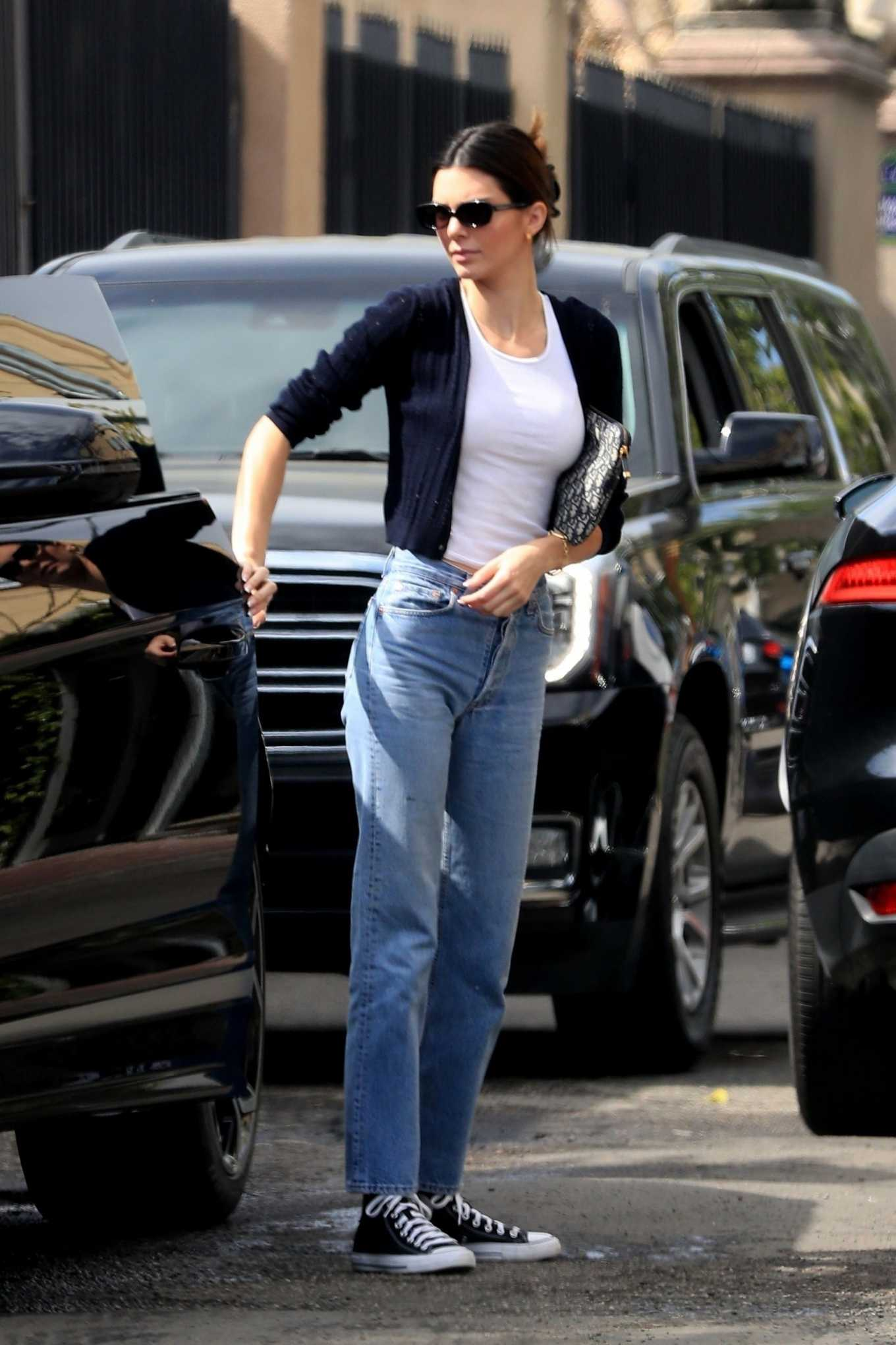 Kendall Jenner rocking straight fit light blue denim jeans