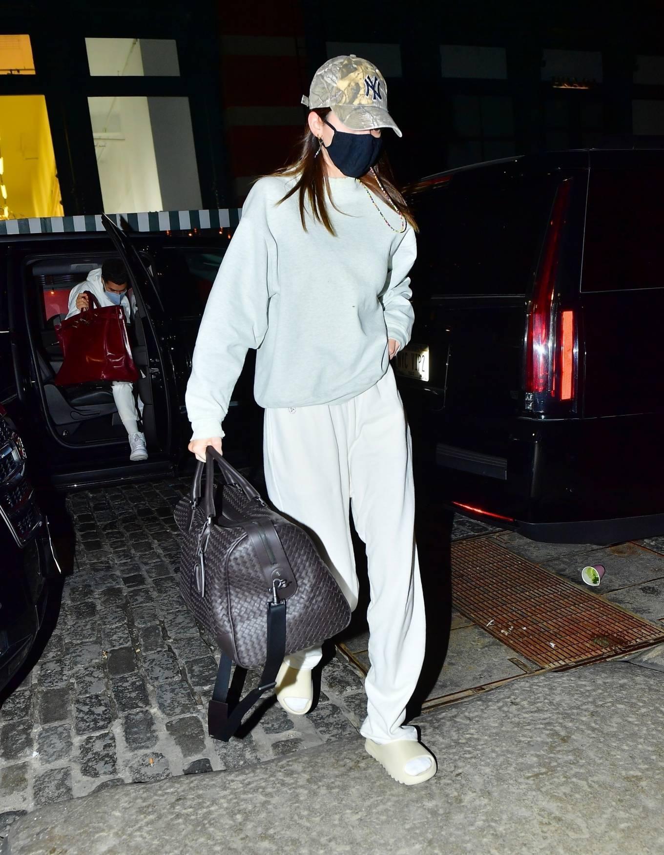 Kendall Jenner rocking white sweatpants