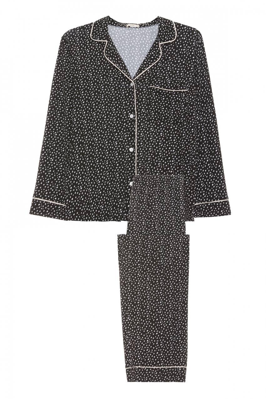 Kylie Jenner rocking a Comfortable black Eberjey printed shirt pajama set with full sleeves, shirt collar and chic print