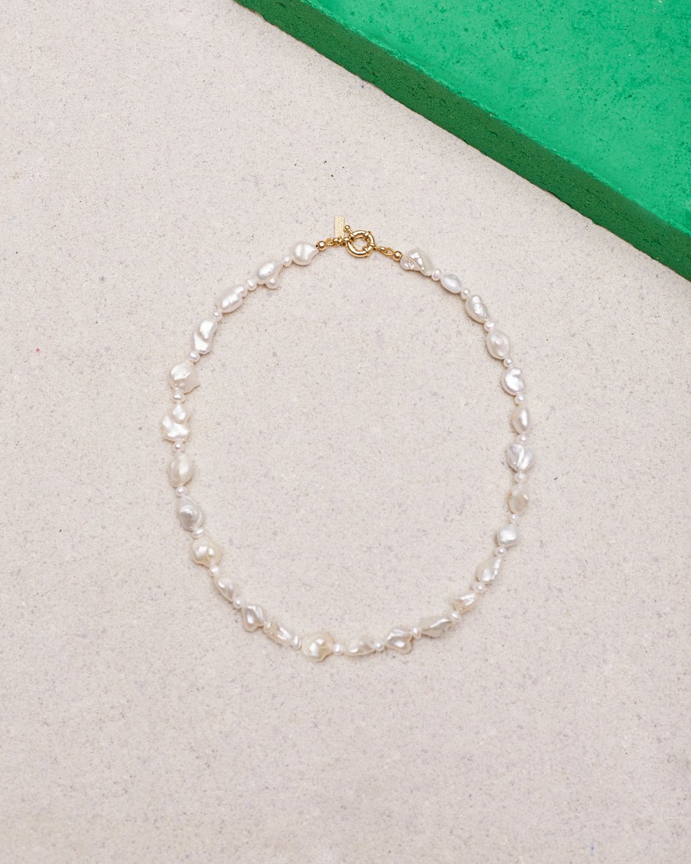 ALL THE FEELS PEARL NECKLACE by éliou, available on eliou-eliou.com for $215 Kendall Jenner Jewellery Exact Product