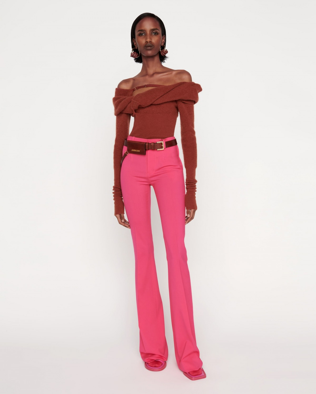 Le pantalon Pinu by Jacquemus, available on jacquemus.com for $500 Kendall Jenner Pants Exact Product