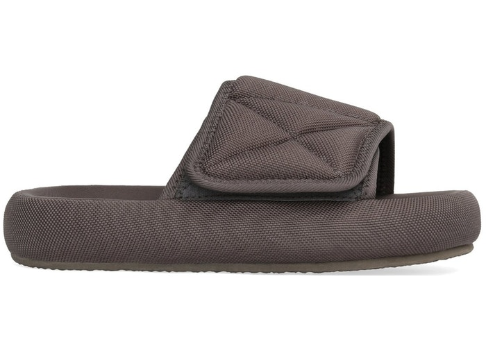 Season 7 Fabric Slides by Yeezy, available on stockx.com for $352 Kendall Jenner Shoes Exact Product