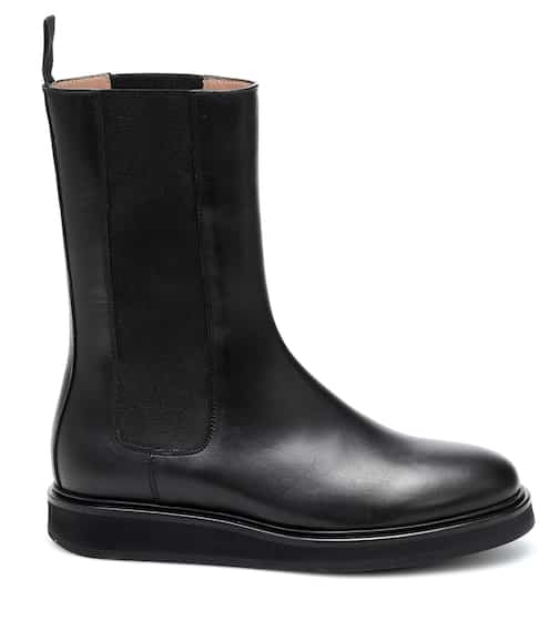Leather Chelsea boots by Legres, available on mytheresa.com for $539 Kylie Jenner Top SIMILAR PRODUCT